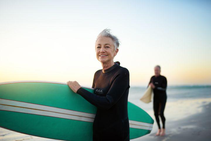Woman Surfer 923778446